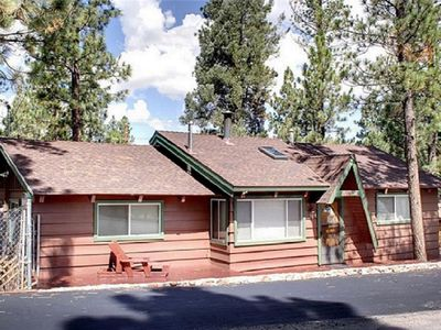 ***Sanitized Cozy Cabin nestled in the woods of Big Bear City - Sleeps 10***