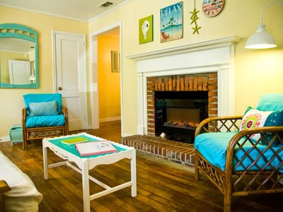 Newly refreshed Beach Bungalow with screened-in porch; short walk to beach
