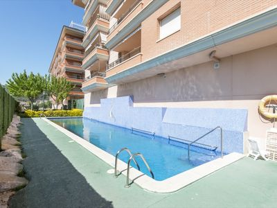 Photo for Spacious apartment with communal pool. 3 minutes from the beach.