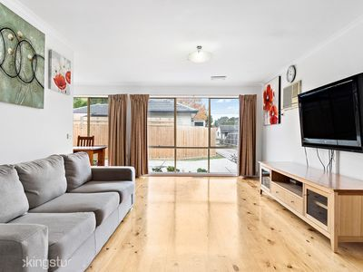 Maroondah 3 Bedroom house - Dogs welcome, peaceful large garden free parking