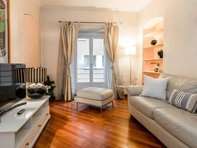 Photo for Pontaccio Brera apartment in Centro Storico with WiFi, air conditioning, balcony & lift.
