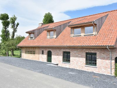 Photo for Deluxe villa with private bathrooms located on the Ijzer and close to Diksmuide