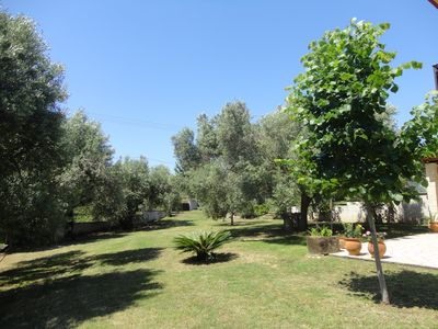 Photo for Well equipped family friendly holiday home walking distance to all amenities