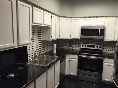 Photo for 2BR/ 2.5 BA Townhouse Near Galleria