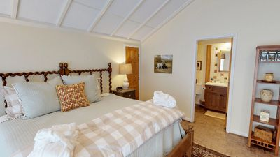 Photo for Double Dog Inn #7 Winding River Suite 3rd Floor, Elevator, Game Room, Hot Tub, Breakfast