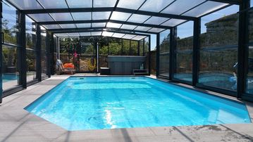 Superb cottage **** sleeps 8 with pool, jacuzzi & sauna in the Ardennes