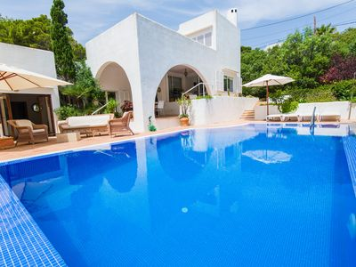 Photo for Villa with pool in pine forest with sea views.