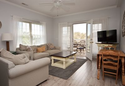 open, relaxed beach condo. Newly remodeled with cottage-inspired decor.