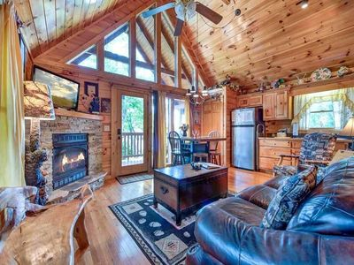 Photo for Artistic Mountain 2 Bedroom Home with Hot Tub