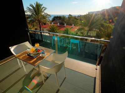 Photo for <![CDATA[50 m from the sea, pool, Wifi, AC, PK, SAT]]>