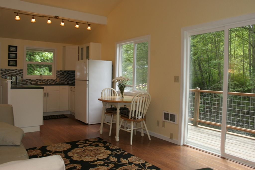Property Image#6 Luxury 2 Bed Home In Dealu0027s Conservation Area Yards From  The Beach