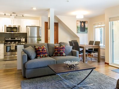 Gorgeous Fully Renovated 1 Bed (sleeps 4) Village Location!
