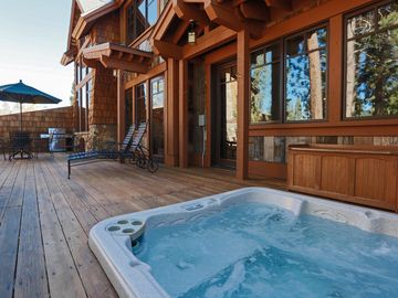 3 BR Luxury Villa with Private Hot Tub and Old Greenwood HOA Amenities!