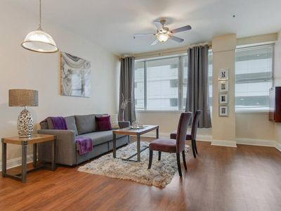 Photo for ★ LARGE AMAZING 1BED, 1 BATH DOWNTOWN NOLA CONDO