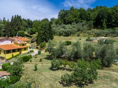 Photo for Casa Vacanze Alla Quercia - Peace and relax on a Tuscany hill