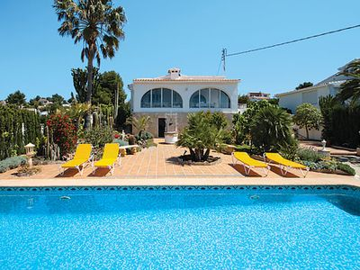 Photo for Fantastically positioned family villa w/ wealth of attractions nearby