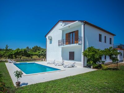 Photo for Holiday house Tinjan for 4 - 6 persons with 2 bedrooms - Holiday house