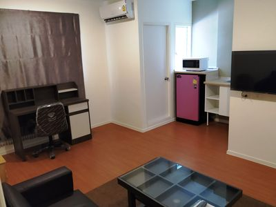 Photo for Deluxe Studio(1)near Bangkok swimming pool,  gym, tennis, FREE TAXI FROM AIRPORT