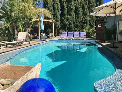 Photo for Tranquil retreat with mountain views and pool 15 min from the beach