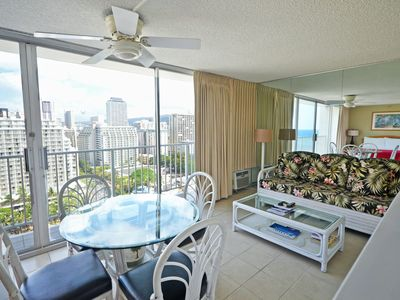 Photo for AMAZING Views, Roof-top Pool & Sleeps 2-4!