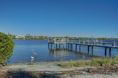 Bay Oaks has its own private fishing pier.  Fish or birdwatch or both.  It's your choice!