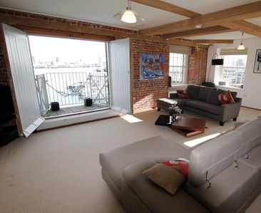 Photo for The Admiral's Quarters  Grade II Listed Luxury Apartment with Sea/Harbour View