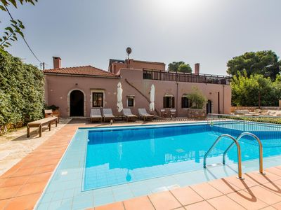 Photo for 3BR Villa Vacation Rental in Kounoupidiana