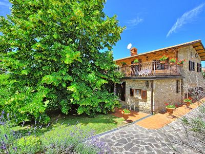 Photo for Traditional villa with private pool and panoramic views in pretty Tuscan village