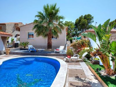 Photo for Beautiful private villa for 12 people with private pool, WIFI, A/C, TV and parking
