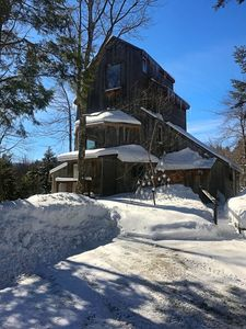 Romantic, adult getaway near  Stowe & Smugglers, private trails , hot tub