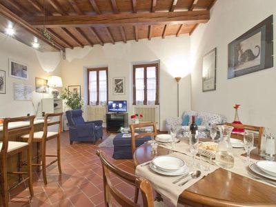 Photo for Spacious Scala apartment in Santa Maria Novella with WiFi & integrated air conditioning.