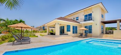 Photo for Beautifully 6 Bedroom Villa (All-in opt)