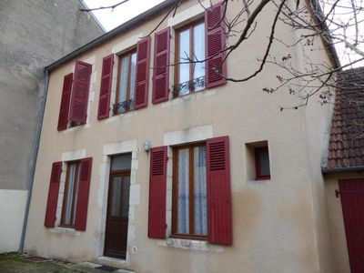 Photo for Gite Saint-Germain-des-Fossés, 4 bedrooms, 8 persons