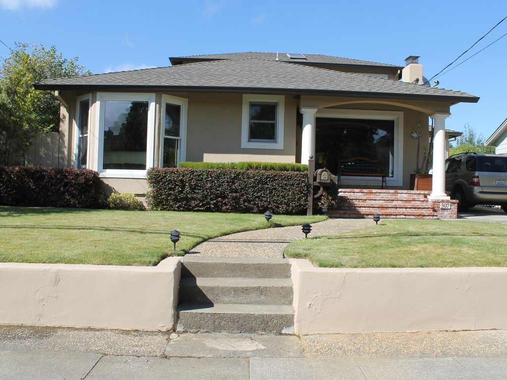 sycamore valley senior singles About country living near sycamore valley academy this charming home is located west of the 99 on ave 280 this 3 bedroom, 1 bath property will not last long.