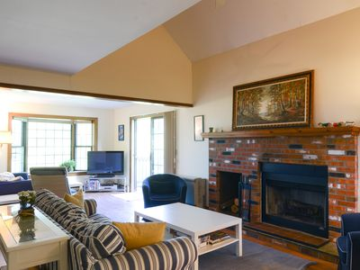 Photo for Family Friendly 4+ Bedroom, 3 Bathroom Quechee Lakes Townhome