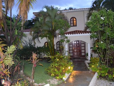 Photo for Private 6 BR Villa Getaway with Resort Amenities