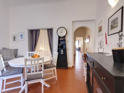 Photo for Old Town Florence - First Floor apartment near the Duomo