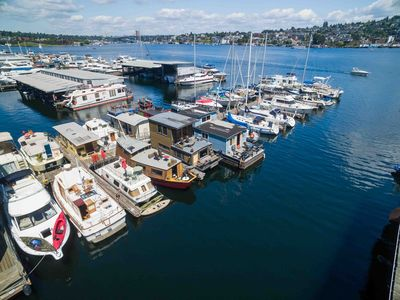 Photo for Carrot Houseboat on Lake Union