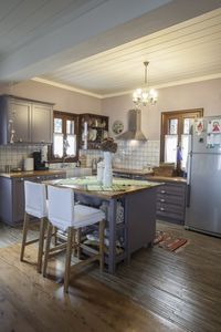 Fully equipped and functional kitchen space