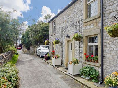 Photo for 4 bedroom property in Tideswell. Pet friendly.