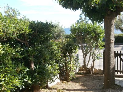 Photo for T2 ground floor, quiet and in front of the sea, 2 min walk from the port