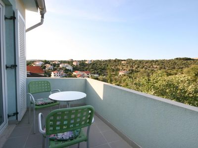 Photo for One bedroom apartment with terrace and sea view Jakišnica (Pag)