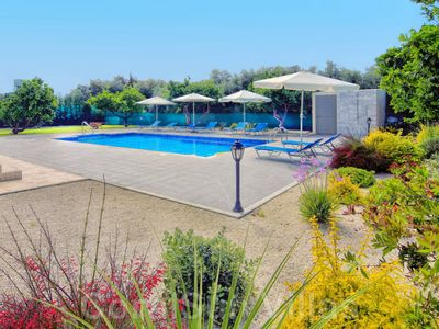 Photo for BEACH FRONT Stunning Villa, Large Garden & Pool, Privacy, Near to Amenities