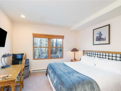 Photo for Affordable Room with King Bed, Private Bath - #208B