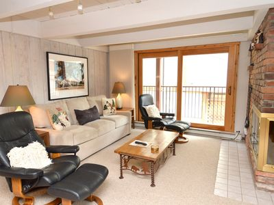 Photo for 2-bedroom standard condominium a few block walk to the Aspen gondola. Chateau Blanc 7