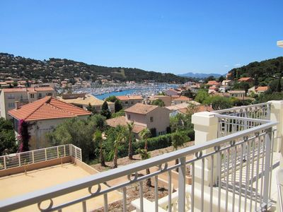 Photo for Large terrace with sea view, recent residence, all on foot