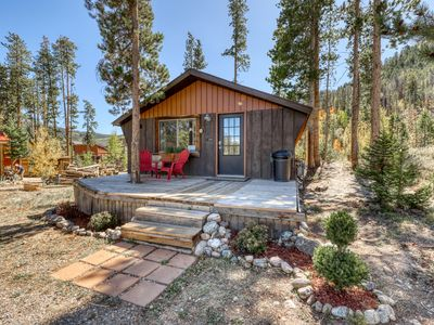 Photo for Charming cabin close to downtown, Lake Dillon & skiing - dogs welcome!