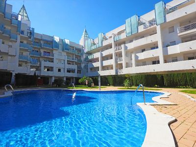 Photo for 2 bedroom Apartment, sleeps 4 in Empuriabrava with Pool, Air Con and WiFi