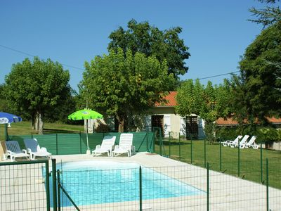 Photo for Holiday home along the river by a lovely hiking forest near Cunèges (1 km)