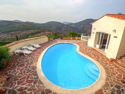 Photo for Beautiful Provencal 5 Bedroom Villa with Pool, close to the Beach